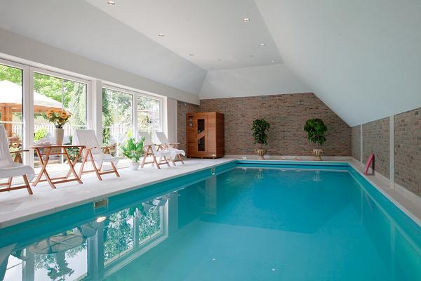 Woning met zwembad te koop woneninmiddendrenthe for Te koop inbouw zwembad