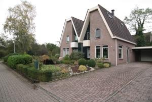 Helft van dubbel woonhuis in het centrum én aan de rand van Westerbork